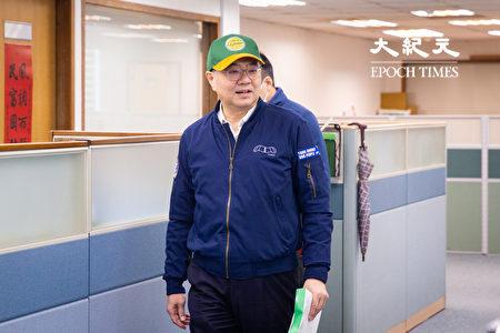 民进党主席卓荣泰26日出席民进党中常会。