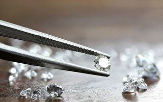 新研究發現納米層級鑽石可彎曲偏折