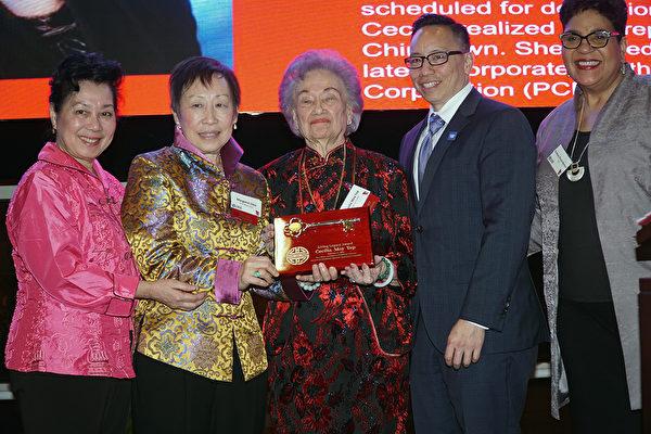 庆中国新年 PCDC创办人Cecilia Yep获当代传奇奖