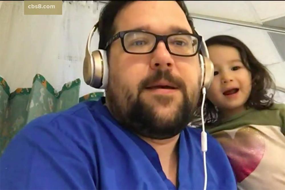 丈夫孩子隨撤僑飛機回美 妻留武漢照顧染病父親