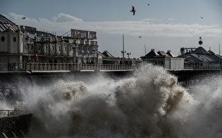 風暴西亞拉侵襲 英女拍到「天開眼」