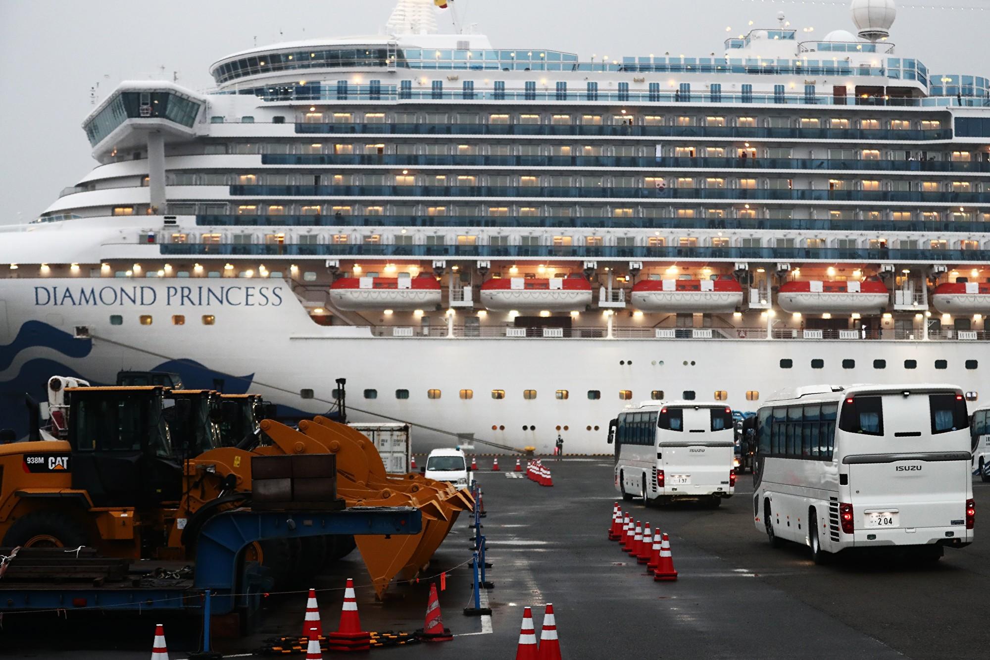 截至2020年2月17日,停泊在橫濱的鑽石公主號郵輪上已經有454例中共肺炎患者。(Behrouz MEHRI/AFP)