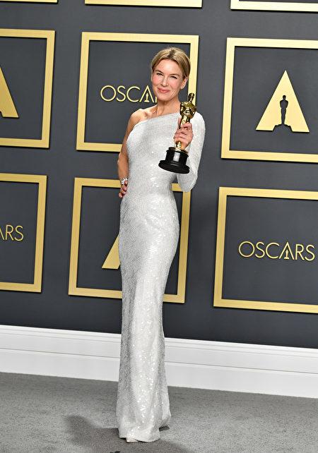 雲妮・絲惠嘉(Renee Zellweger)憑藉《星夢女神:茱地嘉蘭》(Judy)獲得最佳女主角。(Amy Sussman/Getty Images)