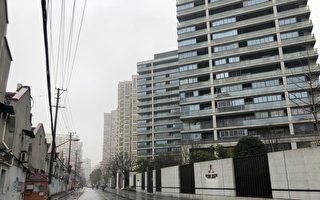 上海小區封閉管理 公共場所必戴口罩測體溫