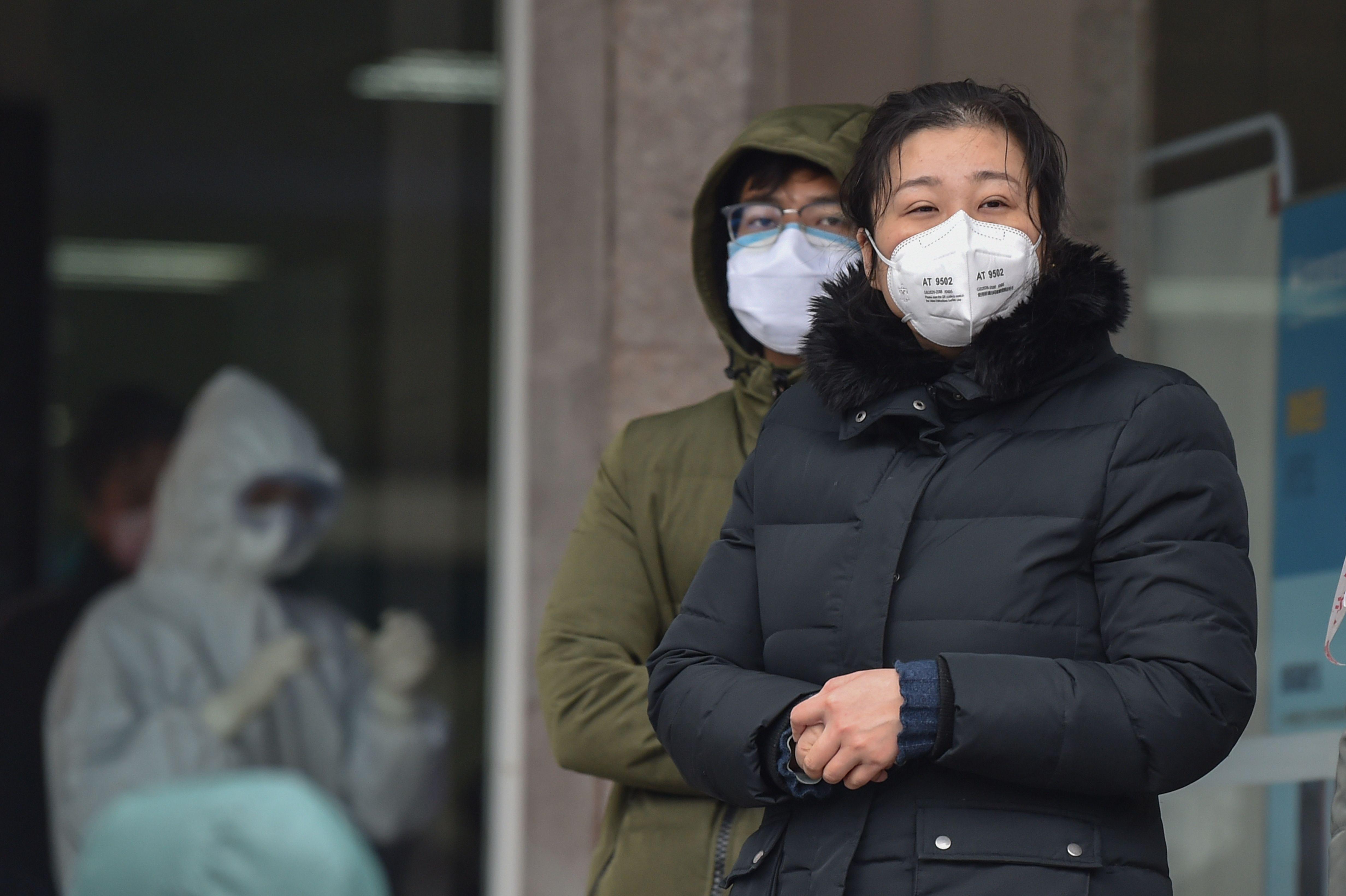 網民轉發疫情自救 警察以「散佈謠言」罪拘捕