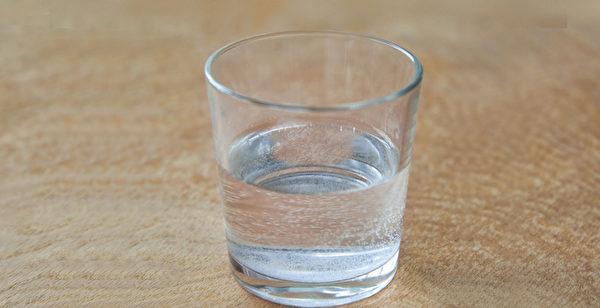 任何機能性飲料,都沒有白開水對身體的益處大。(Shutterstock)