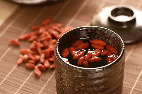 枸杞子是護眼的好食物,有滋腎補肝、養血明目的功效。(Shutterstock)