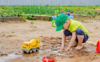 孩童多接触泥土或有益减少过敏症