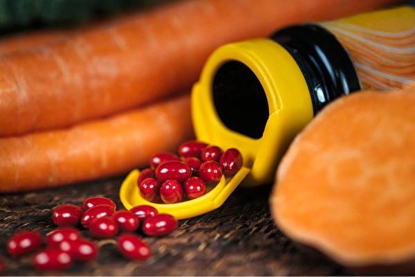 研究发现,β-胡萝卜素补充品无法减少癌症或心血管疾病的罹患率。(Shutterstock)