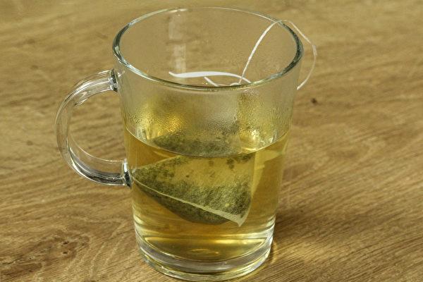 綠茶抗發炎、消腫、其中豐富的氟也可以殺菌,預防蛀牙。(Shutterstock)
