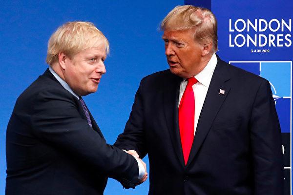 據白宮稱,特朗普普3月14日早些時候與英國首相約翰遜進行了交談。(Photo by CHRISTIAN HARTMANN / POOL / AFP)