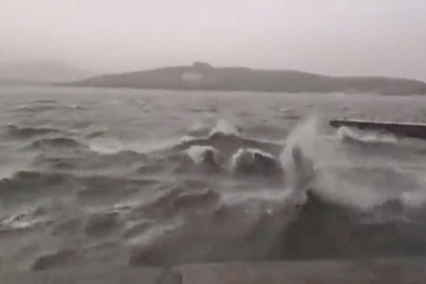 北京昆明湖罕见涨潮 传上次涨潮后毛泽东去世