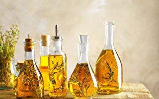 增添菜餚風味 自己做香草橄欖油
