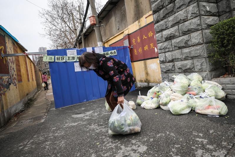中共肺炎疫情下 中國百姓艱難度日
