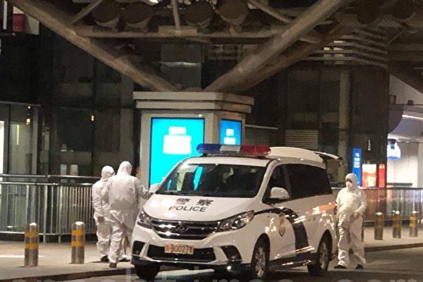 组图:入境需隔离14天 北京机场空荡荡