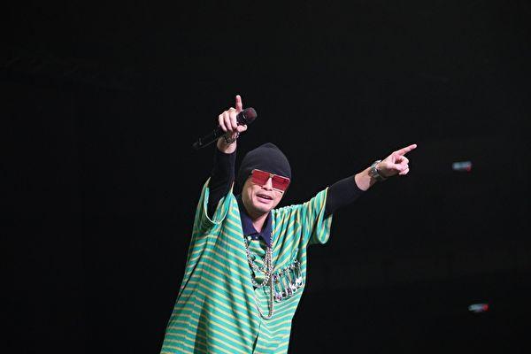 黄明志推《4896》巡演Live版 许愿唱进小巨蛋