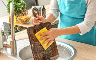 切菜板比地板还脏?定期清洁维护六要点