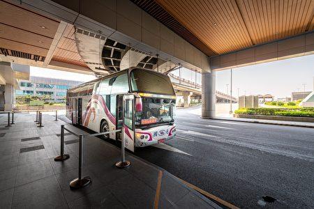 防疫巴士提供居家检疫者服务需求。