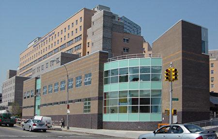 图为位于皇后区的艾姆赫斯特医院。