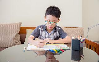 研究:纸笔书写有助儿童阅读 科技不及