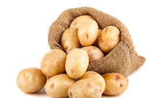 分送馬鈴薯給居家隔離者 英國樂透得主獲讚