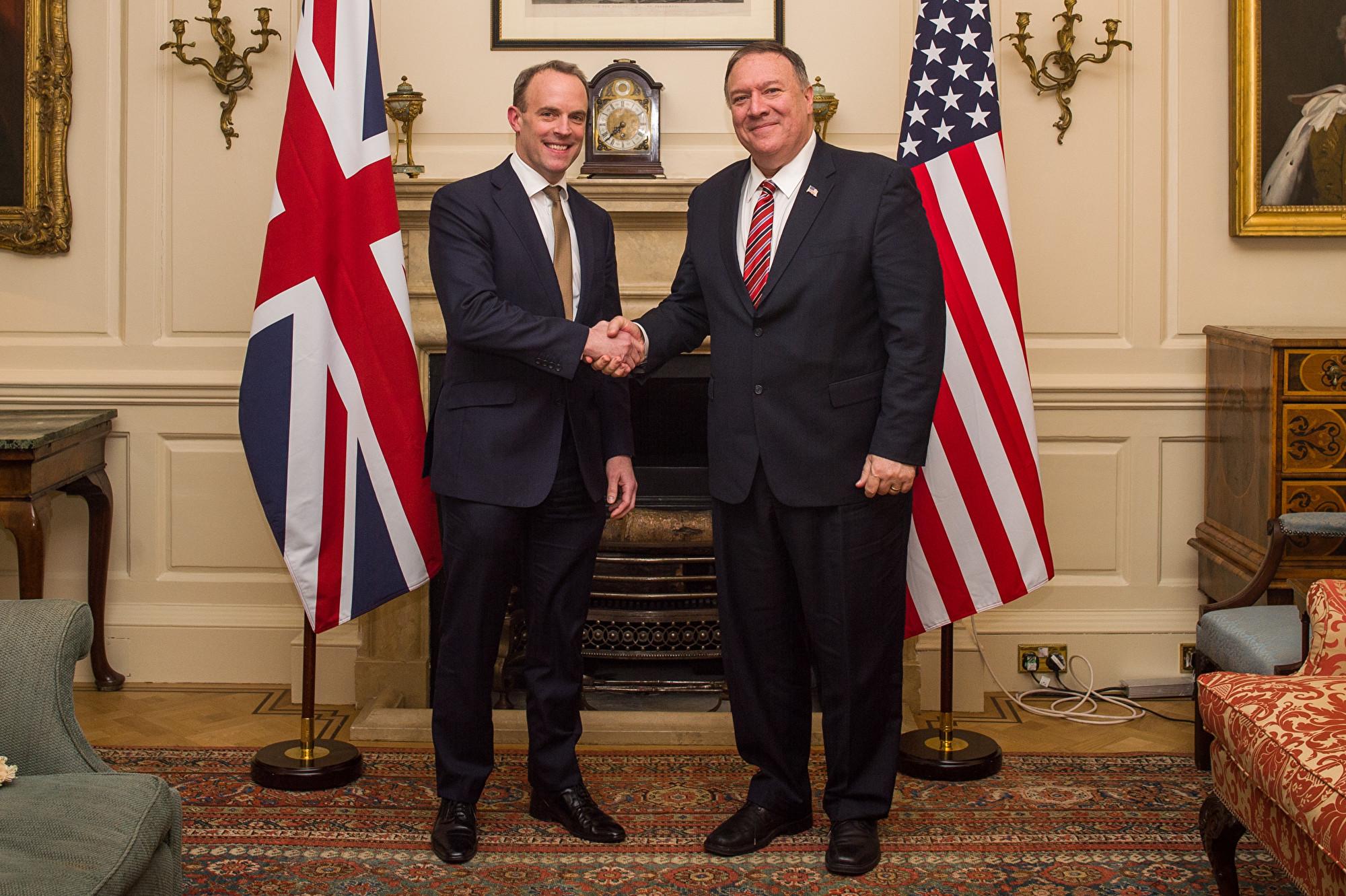 2020年7月6日,美國國務卿邁克‧蓬佩奧稱英國為「促進和保護人權的全球領導者,我們的密切合作夥伴」。(Peter Summers/Getty Images)