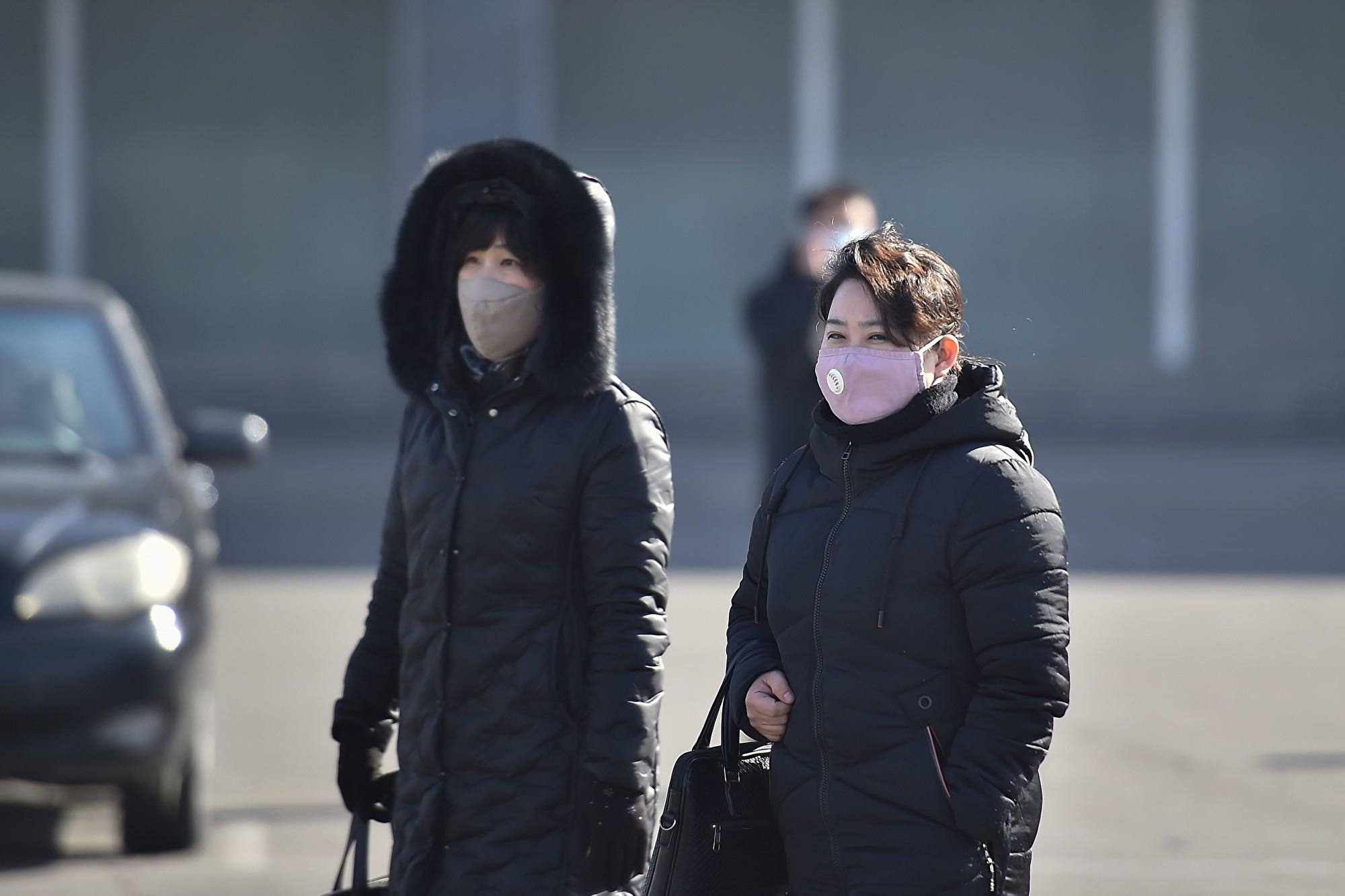 沒有口罩防疫怎麼辦? 北韓用PS的