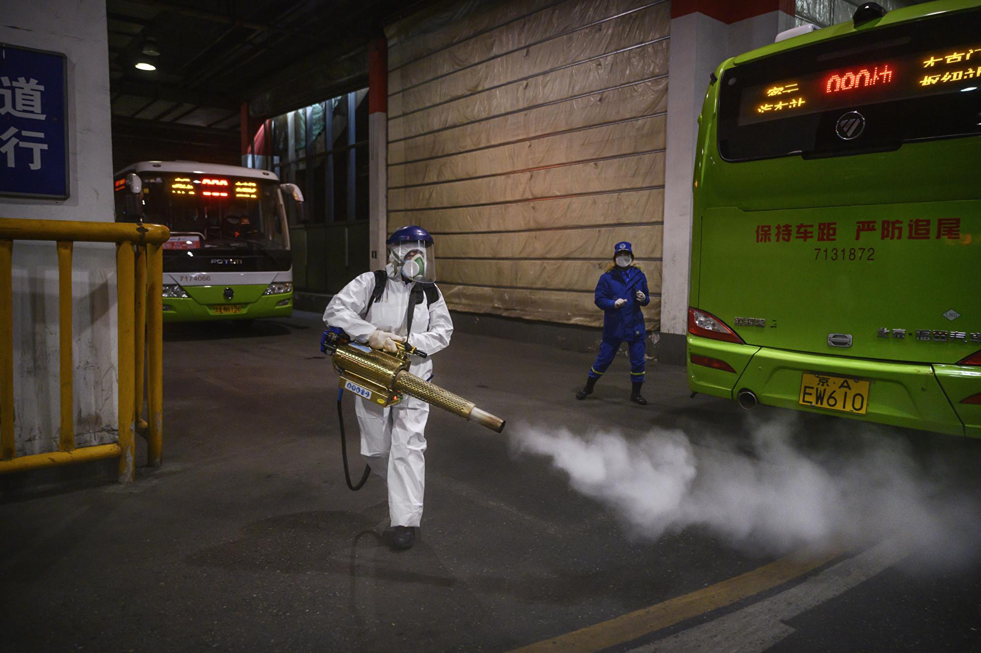 湖南巴士13人染疫 研究:中共病毒可傳4.5米