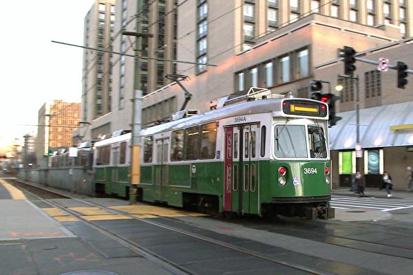 MBTA防疫新規 巴士、綠線僅限後門上車