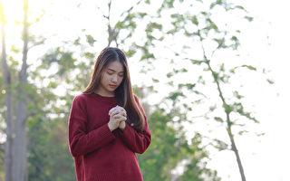 中共肺炎(武漢肺炎、COVID-19)疫情讓不少人陷入恐慌、焦慮等負面情感中。掌握3個方法,幫你平復情緒。(Shutterstock)