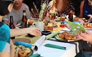 克服心理障礙 墨爾本女子邀百位陌生人進餐