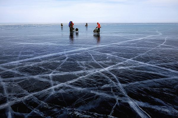 世界冰上高尔夫球锦标赛 在俄贝加尔湖举行