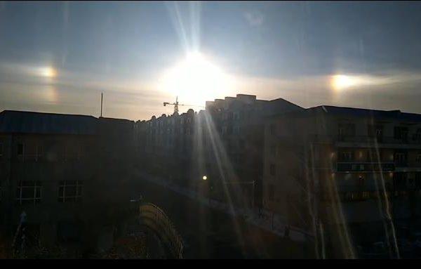 黑龙江天空出现三个太阳 持续一个小时