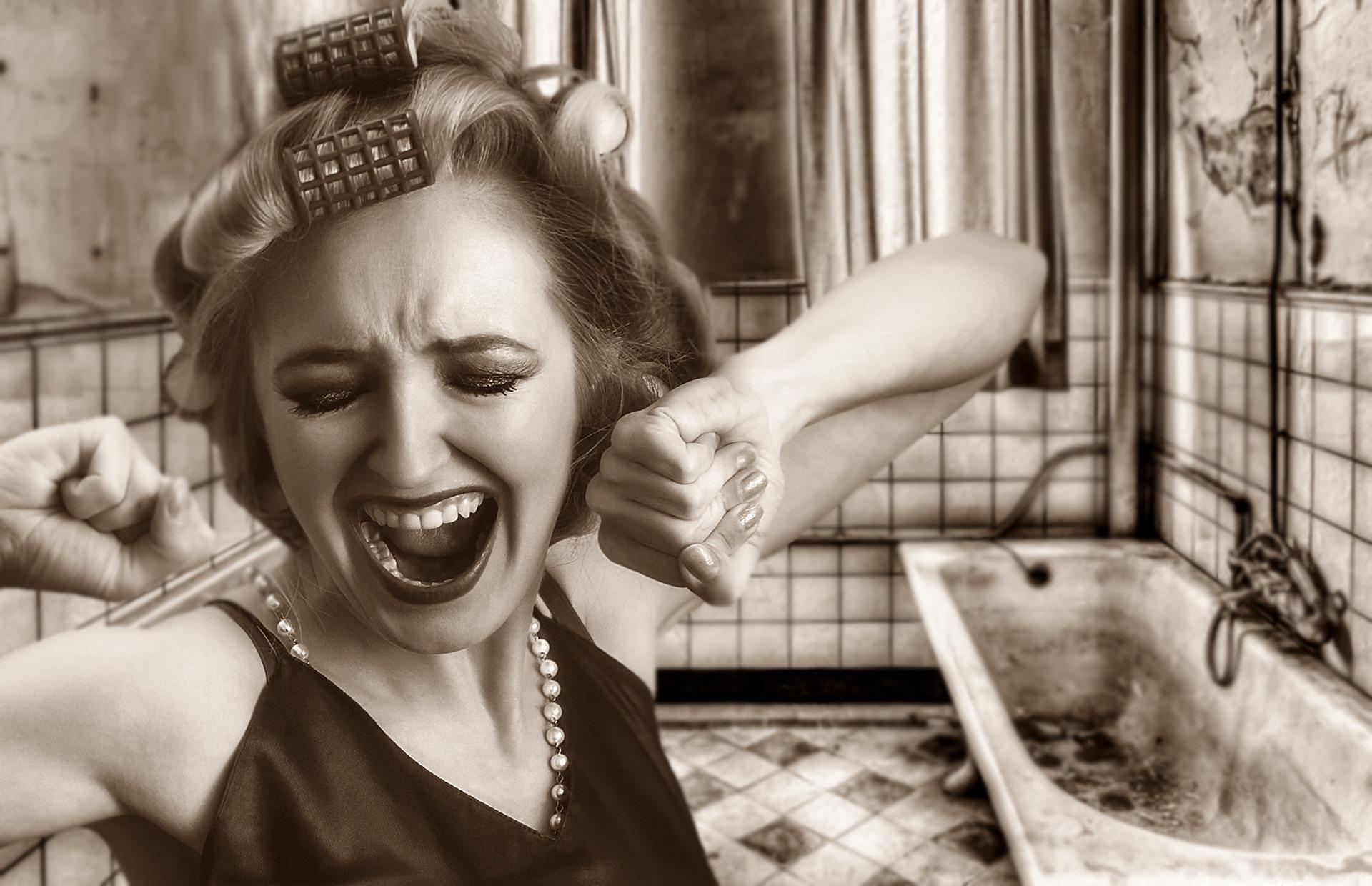怕感染中共肺炎 立陶宛男子將妻子鎖在浴室