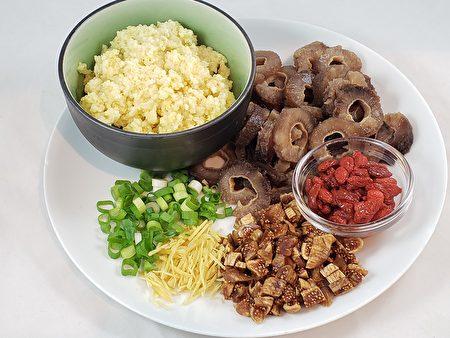 梁廚美食,無花果海参小米粥