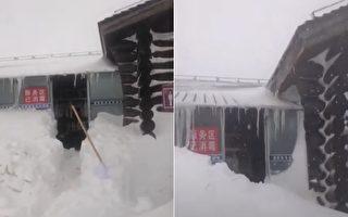 长白山的雪则持续下了整整10天。图左为4月29日,图右为4月30日。(视频截图合成)