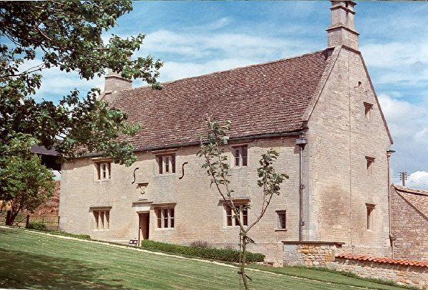 Woolsthroped Manor. (Claire Ward/ Wikimedia Commons)