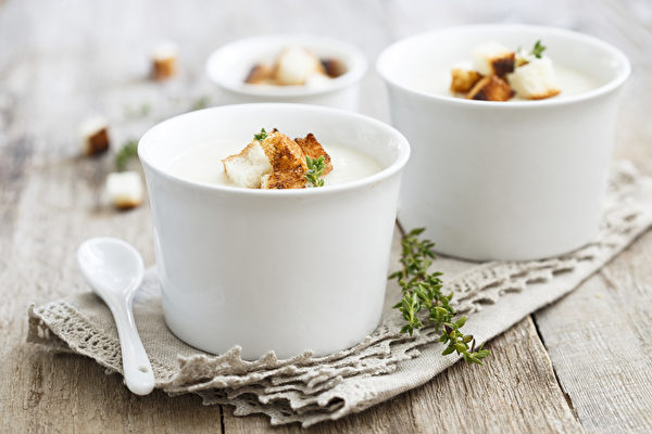 Cauliflower soup. (Shutterstock)