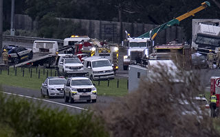 維州最慘烈車禍 四名警察當場卡車輪下殉職