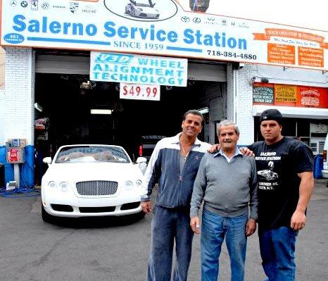 薩勒諾和兩個兒子。(薩勒諾提供)
