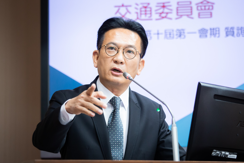 民進黨立委林俊憲表示,反思過度依賴中國經濟所產生的負面影響是必要的,他建議台灣政府應該建立「國安物資生產線」,以因應未來挑戰。(陳柏州/大紀元)
