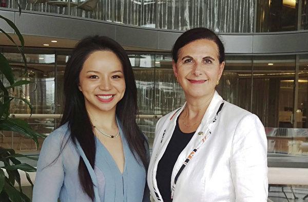 2018年12月,Concetta Fierravanti-Wells議員與前加拿大世界小姐林耶凡會面,兩人討論了中共對澳洲社區影響力日漸增長的話題。(Concetta Fierravanti-Wells面書)