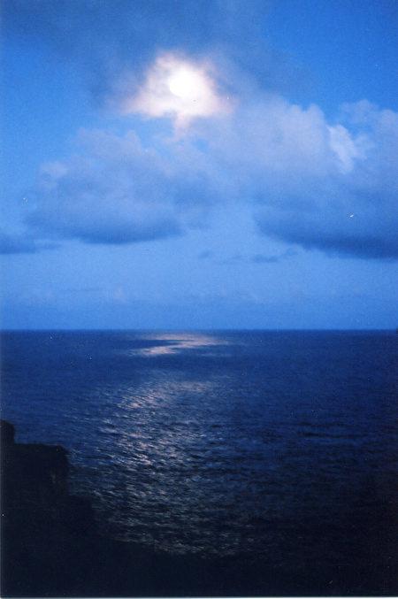 海水与月光