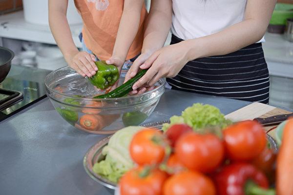 非洗不可! 6種必須徹底清潔的蔬果