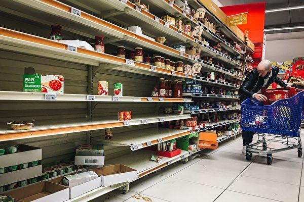 囤积过多粮食易造成浪费,应适量采买,一星期的量就足够。(AFP via Getty Images)
