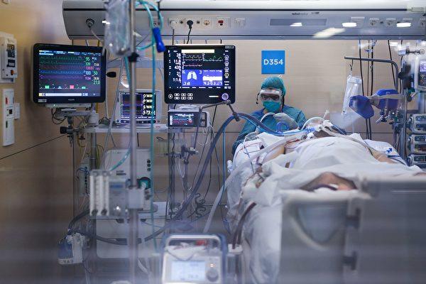 中共肺炎(武汉肺炎)如果发展至重症,很可能留下无法恢复的后遗症。(PAU BARRENA/AFP via Getty Images)