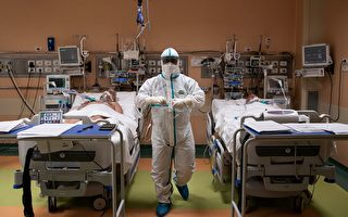 因呼吸器不足,中共肺炎重症患者較難得到及時插管治療。 (MARCO BERTORELLO/AFP via Getty Images)