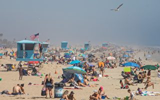 組圖:疫情稍緩 南加州海灘爆人潮