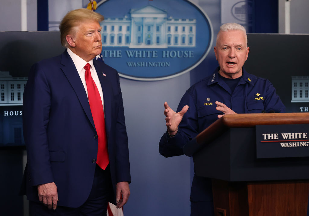 特朗普總統在2020年4月6日的白宮新聞簡報會了。(Chip Somodevilla/Getty Images)