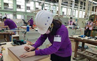 口罩国家队厂商加持 劳动部招手青年受训